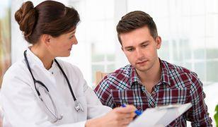 Prezes NFZ zmienia zasady w leczeniu zakażonych wirusem HCV. Zaniepokojenie wśród lekarzy i pacjentów