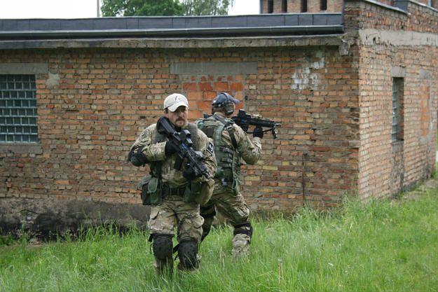 Naval w czasie ćwiczeń GROM-u