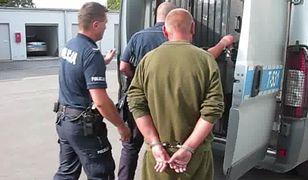 Makabryczna zbrodnia w Korszach. Zwłokami ofiary chciał nakarmić psa