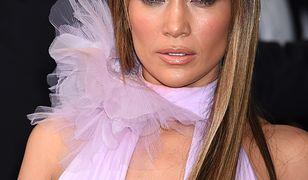 Jennifer Lopez w zjawiskowej sukni na rozdaniu nagród Grammy 2017