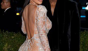 """Kanye West wyprowadził się od Kardashian. """"Kim ukrywa, że w jej małżeństwie jest bardzo źle"""""""