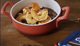 Krewetki z pikantnym sosem czekoladowym