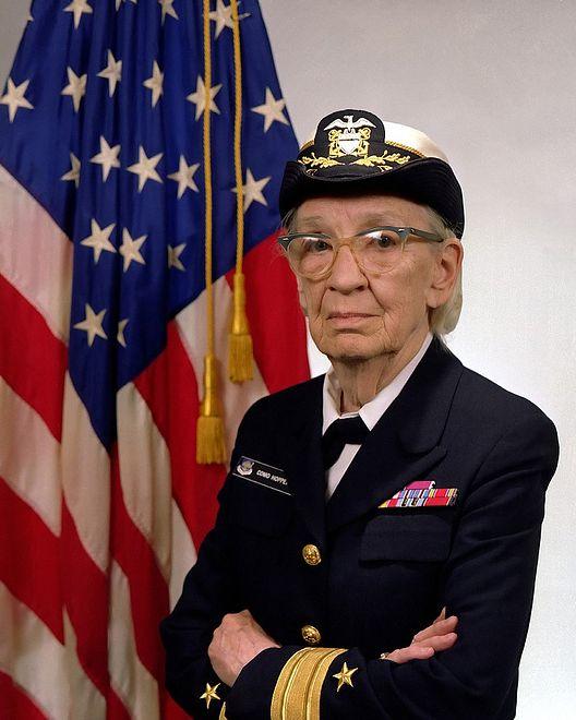 Grace Hopper służyła w Marynarce Wojennej.