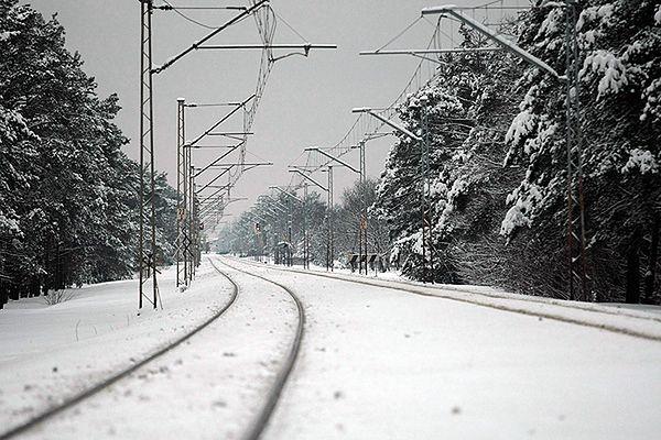 16-latkowie zatrzymani za spowodowanie zagrożenia w ruchu kolejowym