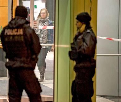 Policja przed budynkiem w Gdyni, w którym padły strzały