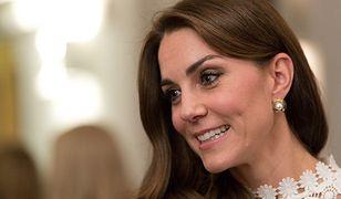 Położnik księżnej Kate zdradza sekrety królewskiego porodu. 20 osób i 3 miesiące abstynencji