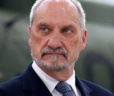 Siła Macierewicza. Paweł Lisicki: pierwsze miejsce ministra obrony