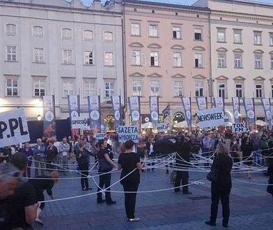Happening na Rynku Głównym w Krakowie