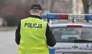 Za jazdę pod wpływem alkoholu i zniszczenie nagrobków 42-latek odpowie przed sądem.