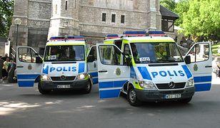 Nietypowy atrybut szwedzkiej policji. Funkcjonariusze dostali miotły