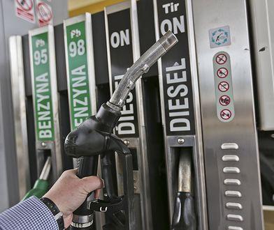 Ceny paliw na stacjach w dół.
