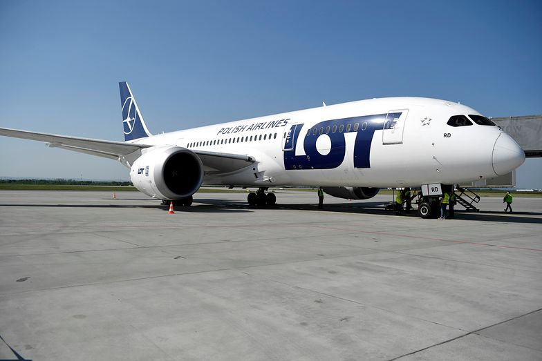 Samolot PLL LOT nie może odlecieć. 200 osób utknęło na Sri Lance