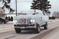 #dziejesiewmoto: karoseria auta zbudowana z lodu