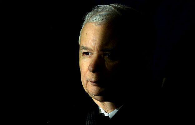 """Raport o wolności mediów """"Freedom House"""". Jarosław Kaczyński ramię w ramię z światowymi dyktatorami"""