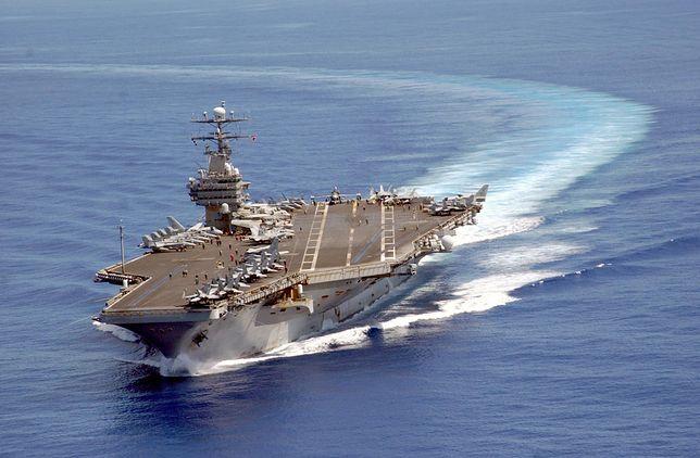 Grupa okrętów USA płynie w kierunku Półwyspu Koreańskiego