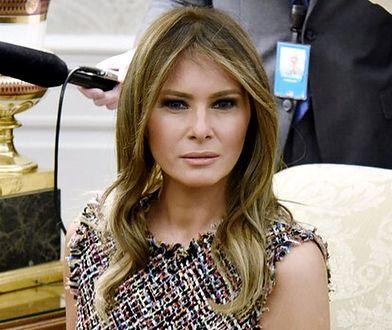 Melania Trump wybiera tweed i odsłania ramiona. Tak wita gości w Białym Domu
