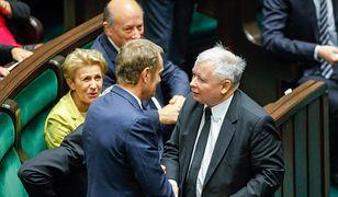 Przed spotkaniem Kaczyńskiego z Merkel. Sławomir Sierakowski: Tusk ratuje honor Polaków