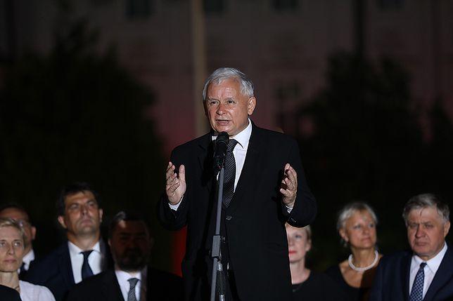 Jarosław Kaczyński na miesięcznicy smoleńskiej 10 sierpnia