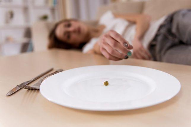 Bulimia ma dwie fazy: przejadania się i drakońskich diet