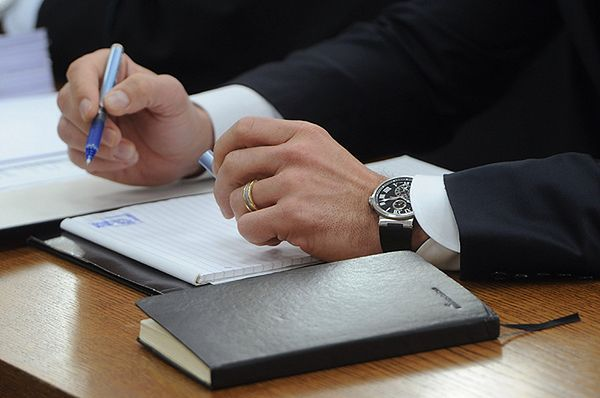 Biegli: zegarek Sławomira Nowaka wart od 11 do 15 tys. zł, sponiewierany