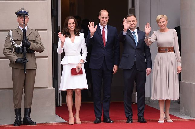 Książę William i Księżna Kate żegnają się z parą prezydencką