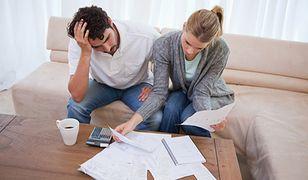 Coraz więcej Polaków wpada w spiralę zadłużenia. Jak uniknąć finansowej katastrofy?