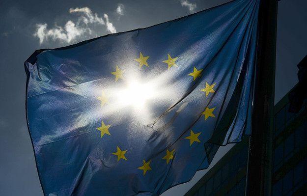 PO pyta o flagę UE przed gabinetem marszałka Senatu
