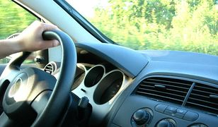 Jak przetrwać długą podróż samochodem?