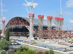 W Czarnobylu budują potężną konstrukcję z betonu i stali