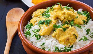 Curry z kurczakiem. Podaj z ryżem jaśminowym