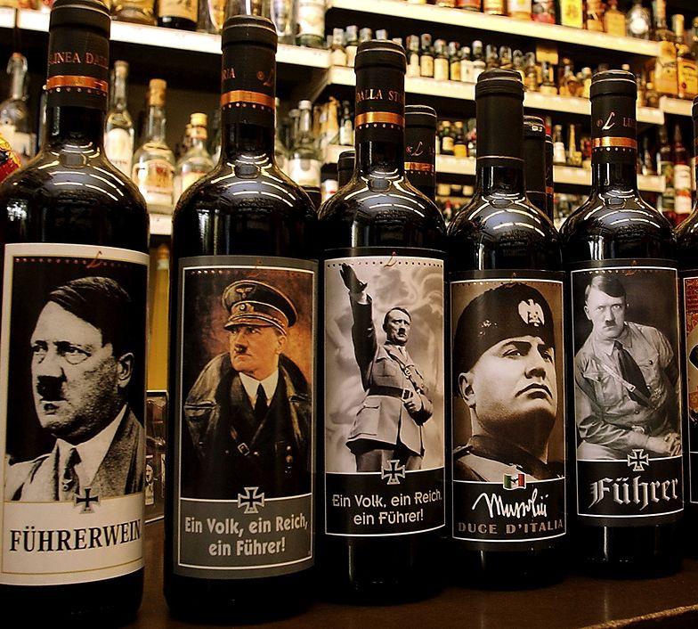 Wino z Hitlerem trzymał pod ladą. Doniósł na niego klient