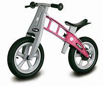 Różowy rowerek biegowy