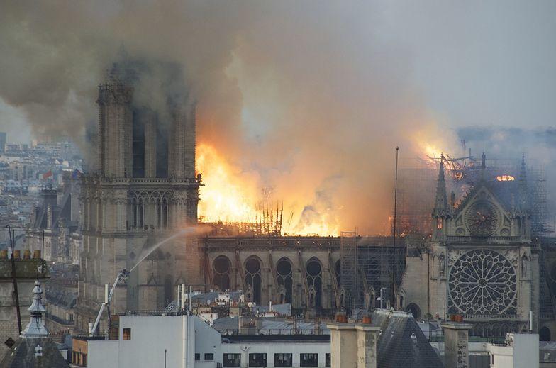 pożar notre dame paryż francja