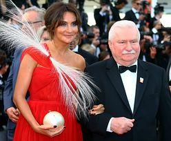 Lech Wałęsa godnie powitany na festiwalu w Cannes. Internauci dostrzegają różnicę