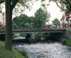 Zwłoki mężczyzny w rzece Łeba w Lęborku. Znalazł je przypadkowy przechodzień