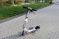 Airwheel Z3 — recenzja elektrycznej hulajnogi dla każdego