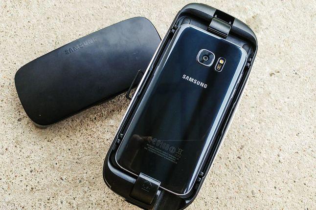 Samsung Gear VR wymagają topowego smartfonu.