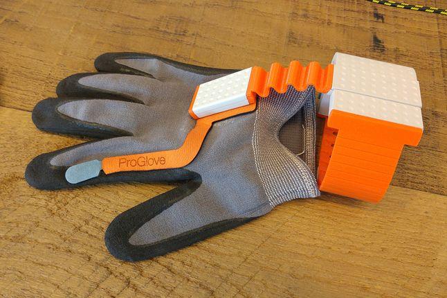 Jeden z bardziej sensownych wynalazków: rękawica skanująca dla magazynierów