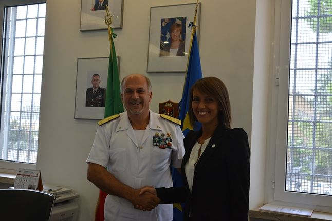 Sonia Montegiove z LibreItalia i kontradmirał Ruggiero Di Biase
