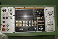 Przygody młodego technika – część II – pierwszy tydzień - Panel sterowania Siemens (wikipedia)