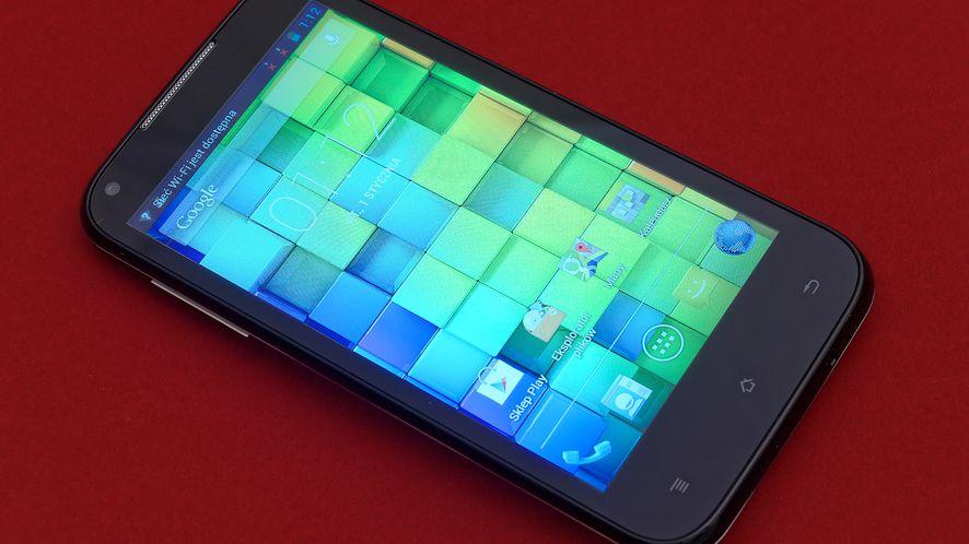 MODECOM XINO Z46 X4 — Test i recenzja smartfonu za rozsądną cenę