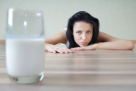 Niekontrolowany handel mlekiem matki. Gdzie trafia kobiecy pokarm?