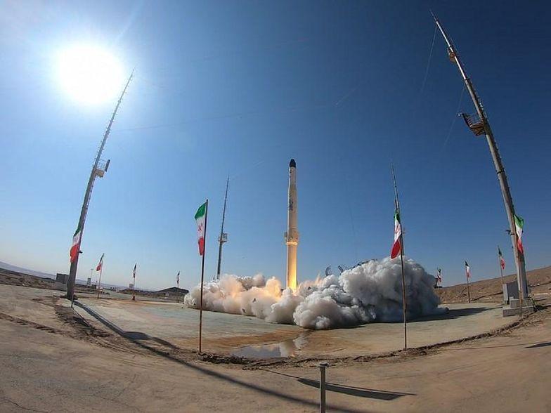 Rosja wspiera Iran. Dostarczy mu nowoczesnego satelitę szpiegowskiego