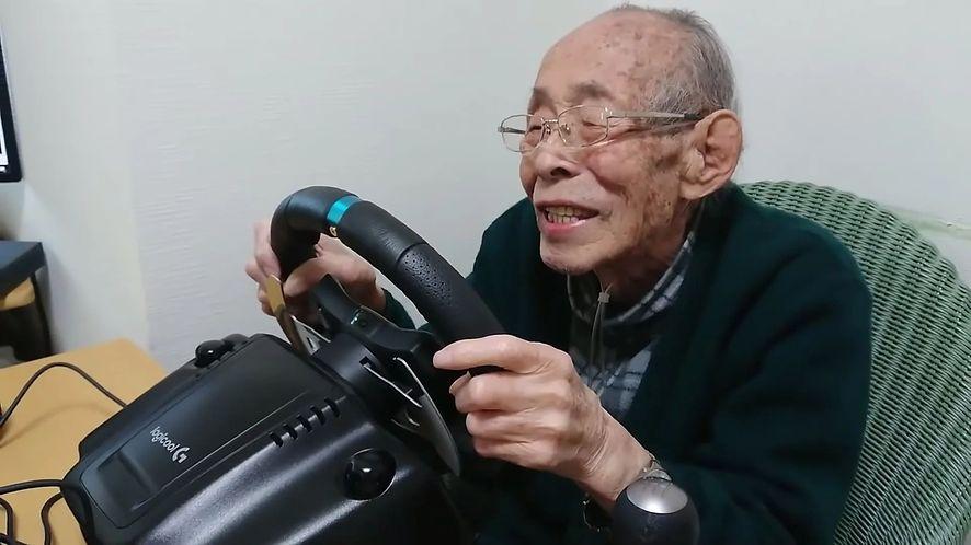 93-letni youtuber w swoim żywiole