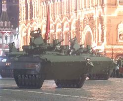 Rosja. Pod osłoną nocy na plac Czerwony wjechały czołgi