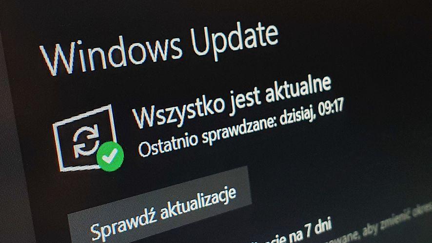 Microsoft bada pierwsze usterki Windows 10 20H1, fot. Oskar Ziomek