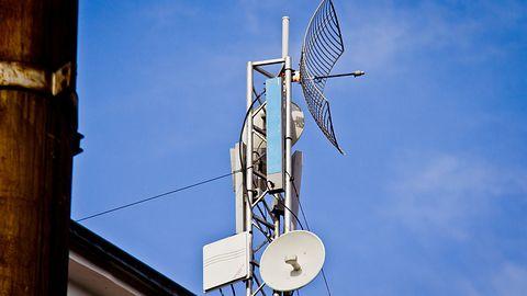 W Krakowie ruszyła akcja wycinania masztów LTE i 5G. Sprawców zatrzymała policja