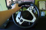 Genesis Seaborg 400 - kierownica wyścigowa dla wszechstronnego gracza