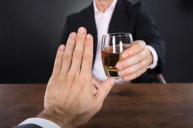 Alkohol a dieta - co pić, aby nie przytyć?