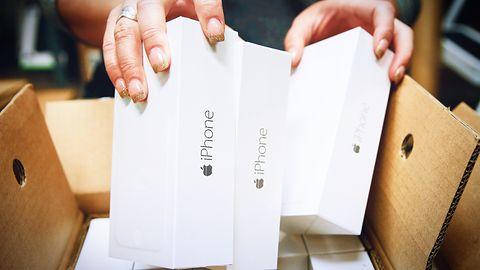 Nowy iPhone bez przejściówek USB-C ani słuchawek. Przyczyn może być kilka